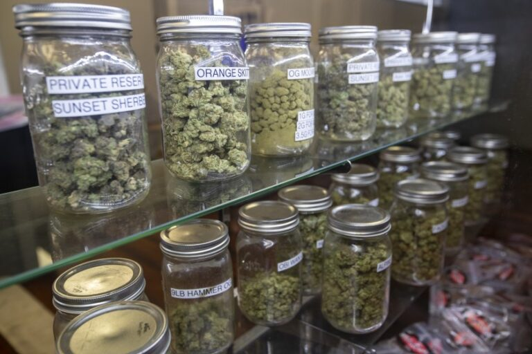 Tips for choosing a trusted Marijuana Dispensary in Des Moines